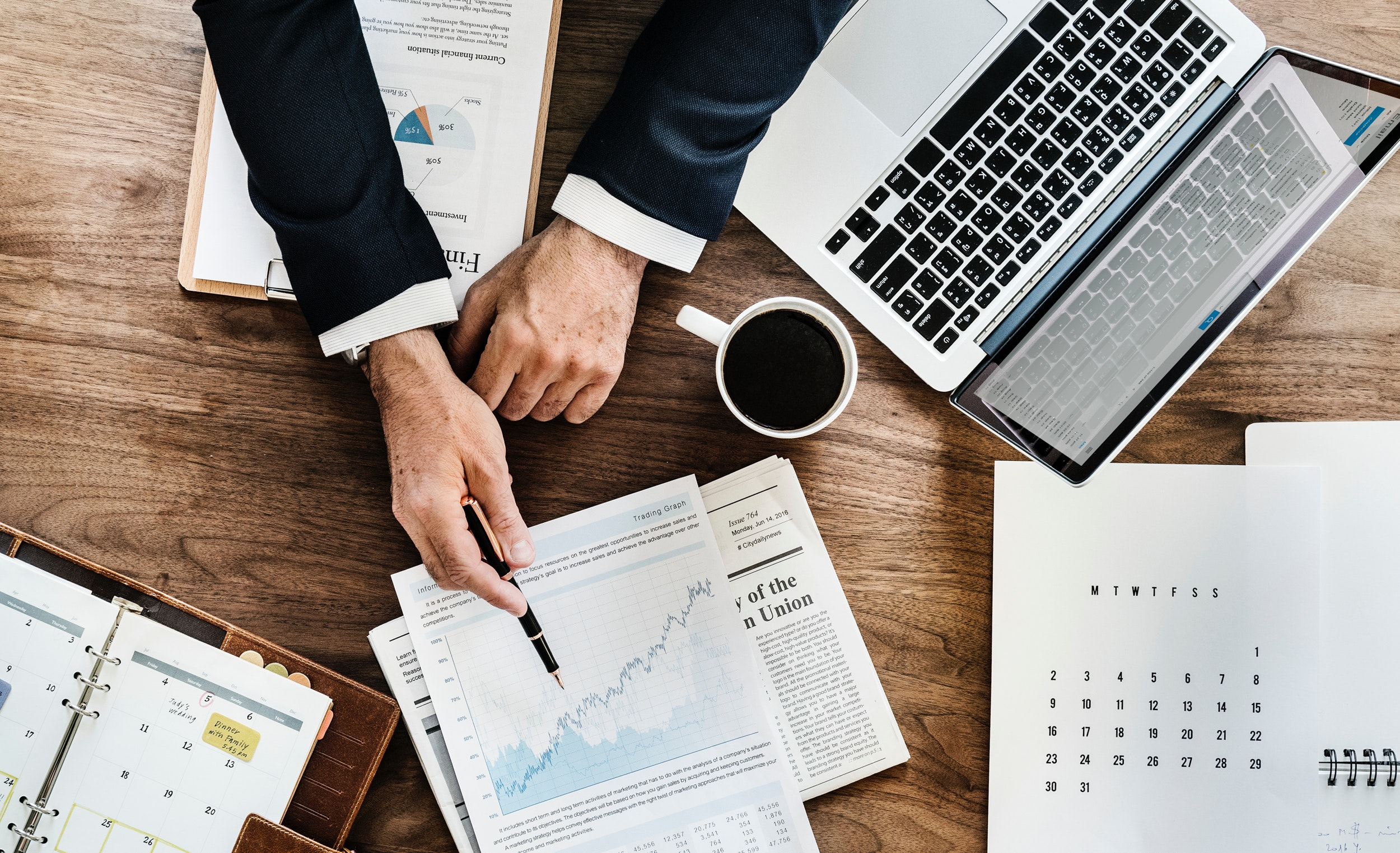 4 ways to structure your sales compensation plans